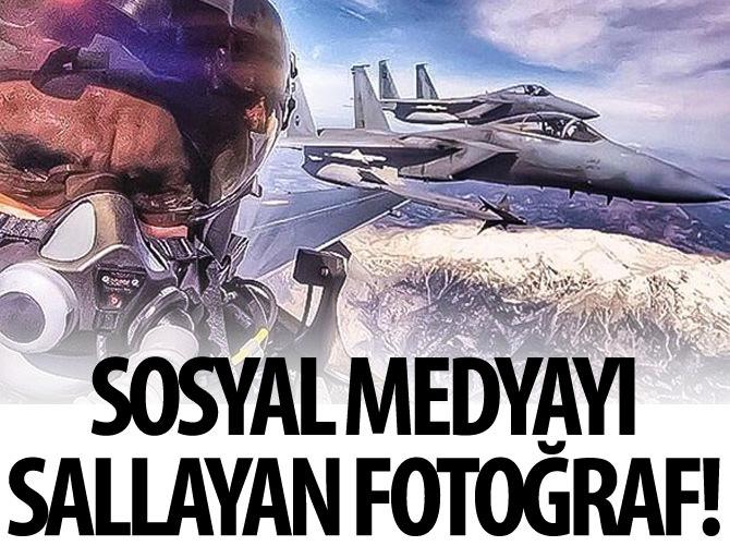 TÜRK PİLOTUN SUUDİ PİLOTLARLA SELFİE'Sİ