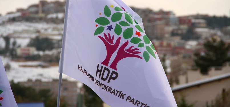 HDP'Lİ BAŞKAN VE BAŞKANVEKİLİ TUTUKLANDI