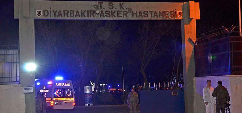 PKK, JANDARMA KARAKOLUNA BOMBA YÜKLÜ ARAÇLA SALDIRDI