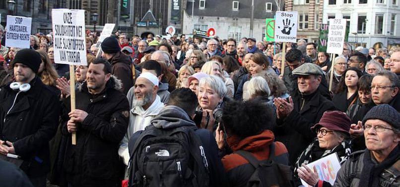 HOLLANDA'DA TERÖR PROTESTOSU!