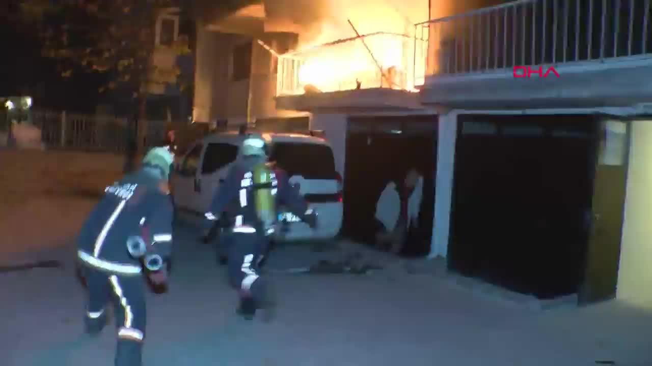 Evde yangın çıktı: 1 kişi yaralandı, 3'ü çocuk 5 kişi dumandan etkilendi