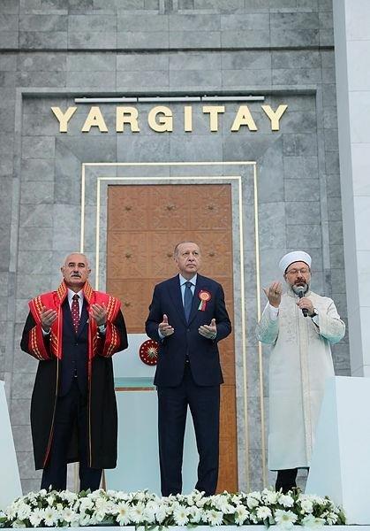 Yargıtay binasının açılışındaki dua rahatsız etti! Cumhuriyet T24 İsmail Saymaz ve Merdan Yanardağ...