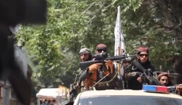 Taliban güçleri Pencşire girdi, Kabil'de havaya ateş açıp kutlama yaptılar