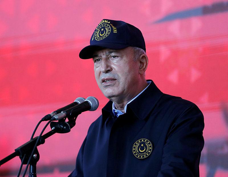 Milli Savunma Bakanı Akardan sınır ötesi operasyon mesajı