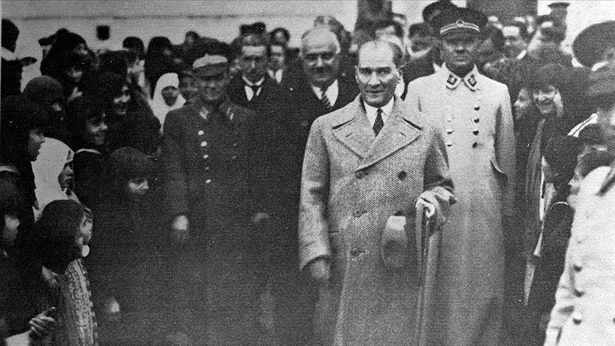 Atatürkü ders kitaplarından yırtarak tarihten silemezsiniz! AK Partiden Güney Kıbrıs Rum Yönetimindeki skandal talimata tepki
