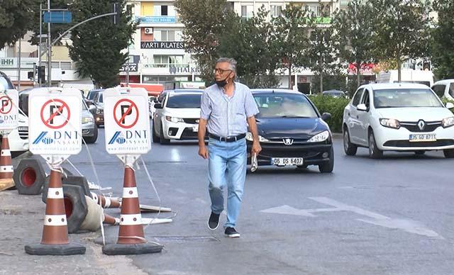 Büyükçekmecede tehlikeli geçiş! Vatandaşlar isyan etti: Yürürken araba çarpacak diye korkuyoruz