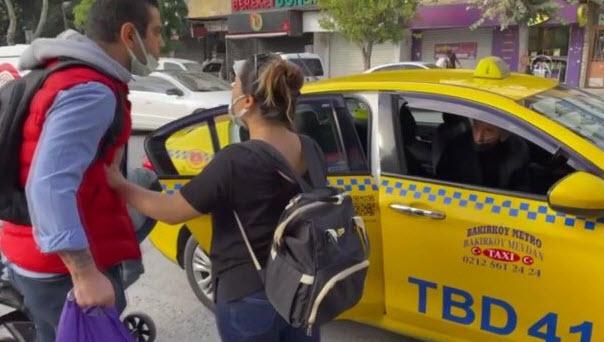 İstanbulda taksi şoförü ve yolcu arasında kısa mesafe kavgası! İstediğin yere şikayet eti