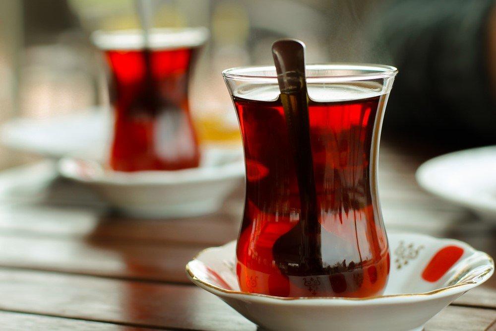 Çay tiryakileri dikkat! Sıcak çay o kanser türünü 5 kat arttırıyor