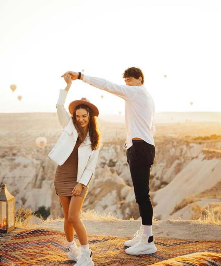 Ebru Şahin ve Cedi Osman paylaştı sosyal medya yıkıldı! Evleniyorlar