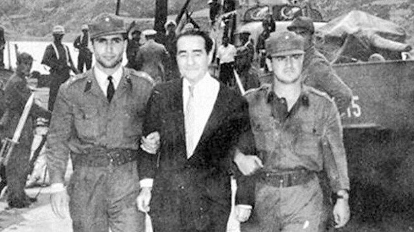 Merhum Başbakan Adnan Menderesin idam edilmeden önce son sözü ne oldu? Neden pijama ile fotoğraf çektirildi? 17 Eylül 1961 günü yaşananlar...