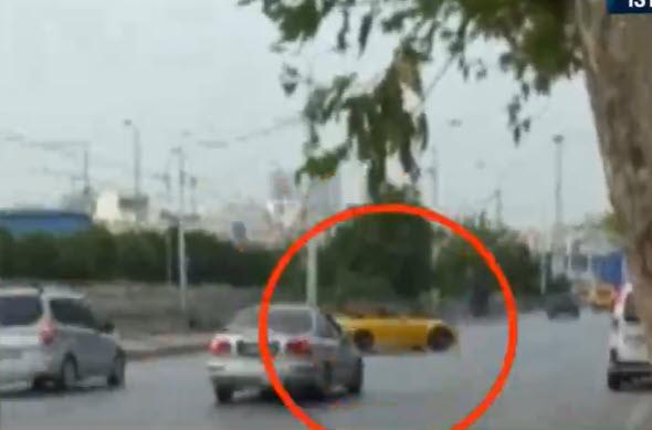 İstanbul'da tepki çeken görüntü! Trafikte drift yaptı!