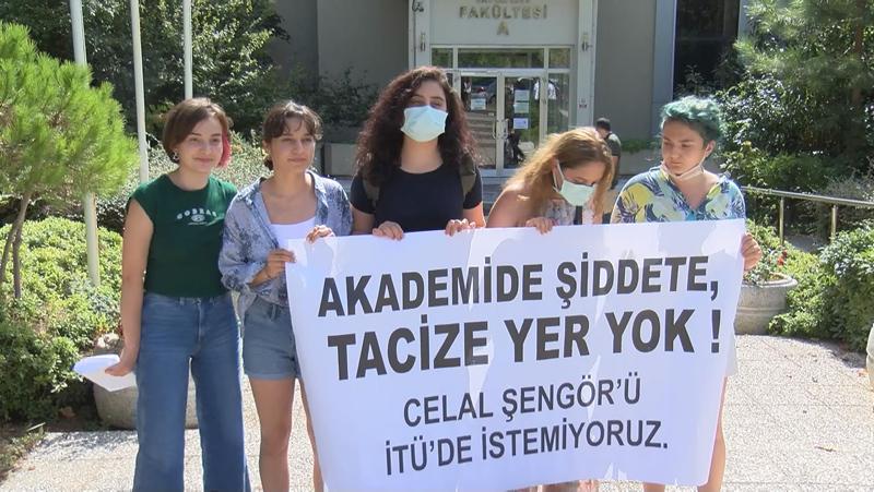 Öğrencisinin kalçasına tokat attığını anlatan Celal Şengörden pişkin savunma! İTÜde protesto: Akademide tacize yer yok
