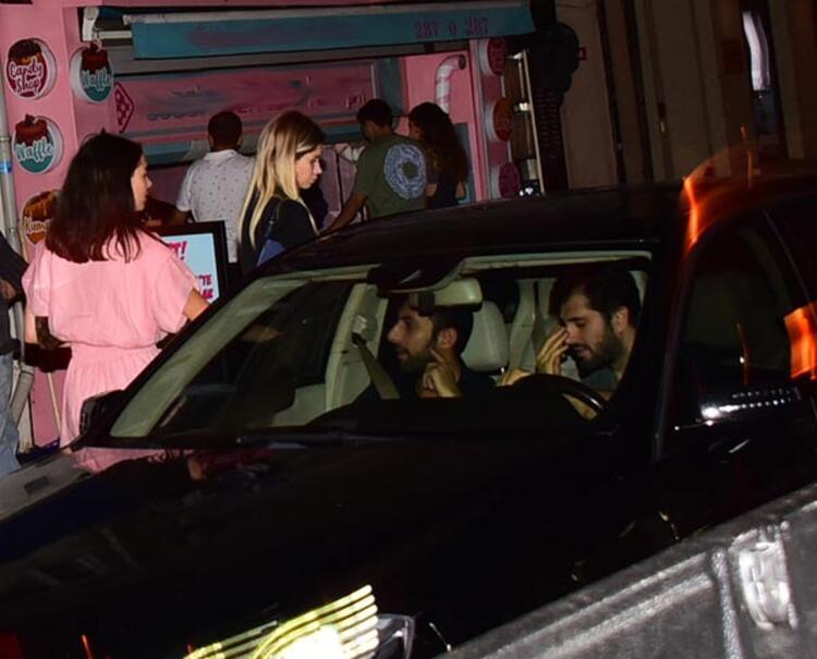 Mahmut Kırmızıgül'ün panik gecesi! Sevgilisinin elini bırakıp kaçtı