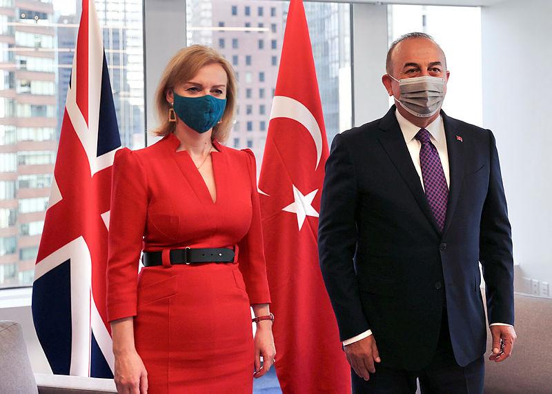 Son dakika: Dışişleri Bakanı Çavuşoğlu İngiliz mevkidaşı ile görüştü