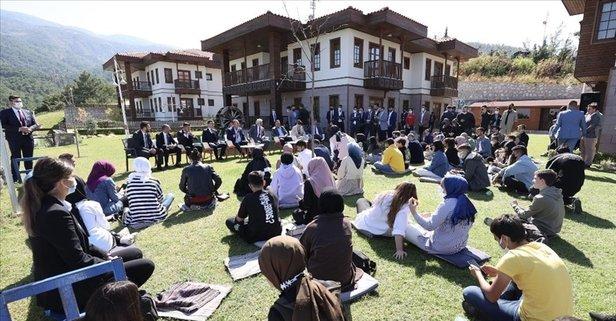 Başkan Erdoğan Manisadaki gençlere telefonla seslendi: Bunları ihmal etmeden yolculuğa devam...