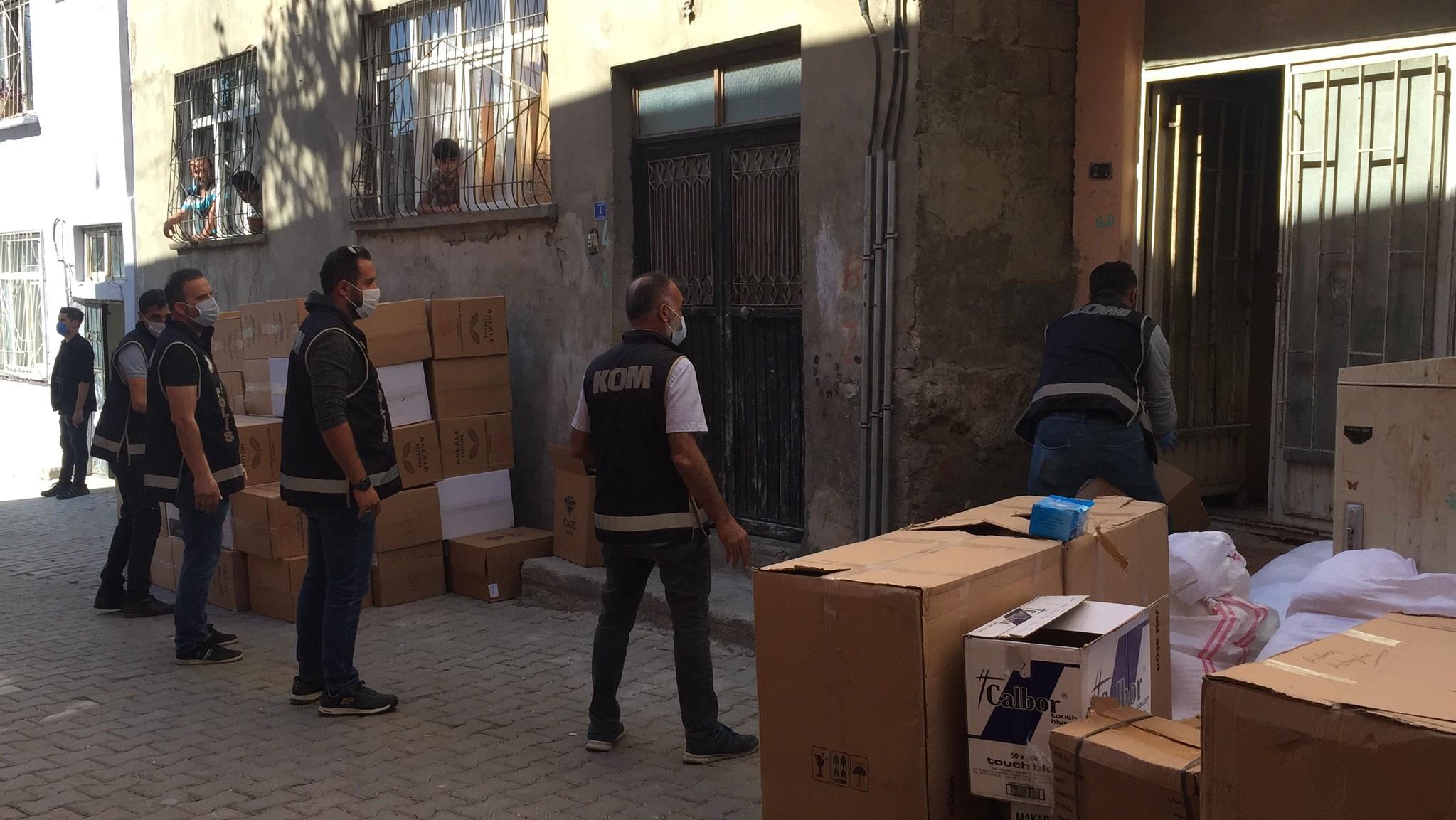 Siirt'te kaçakçılık operasyonu! 4 milyon boş makaron ele geçirildi