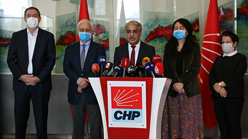 HDPnin dinmek bilmeyen CHP aşkı Mithat Sancar bizi korumak için tek başına basın toplantısı düzenledi