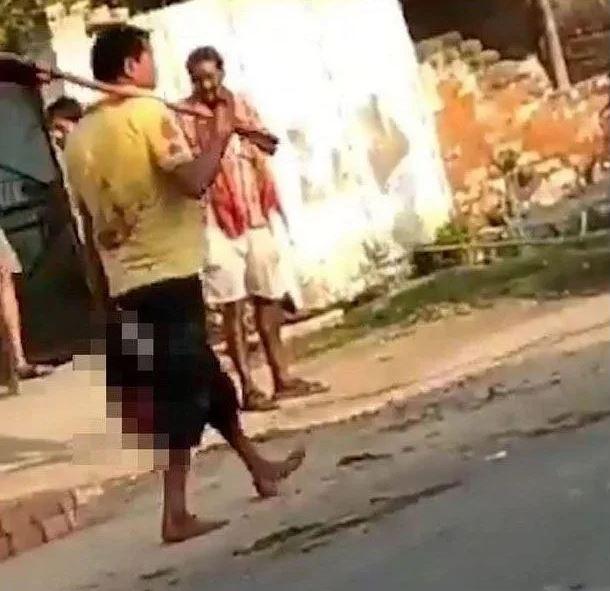 Böyle vahşet görülmedi! Karısının kafasını kesip sokak sokak gezdirdi...
