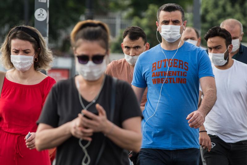Koronavirüs salgınında vakalar arttı ek önlemler yolda! O kişilere para cezası...