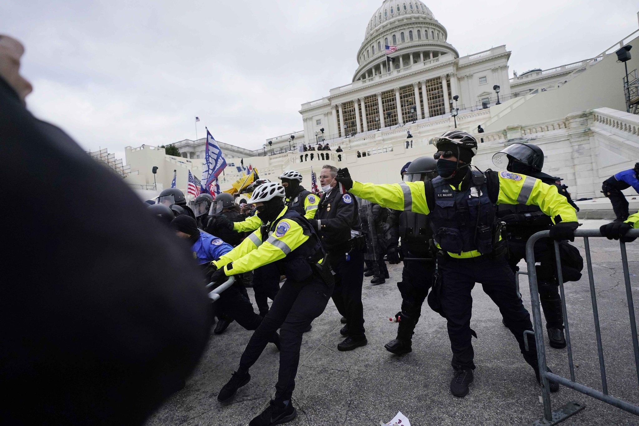Trump mitinginin ardından ABD karıştı! Kongreye girmeye çalıştılar