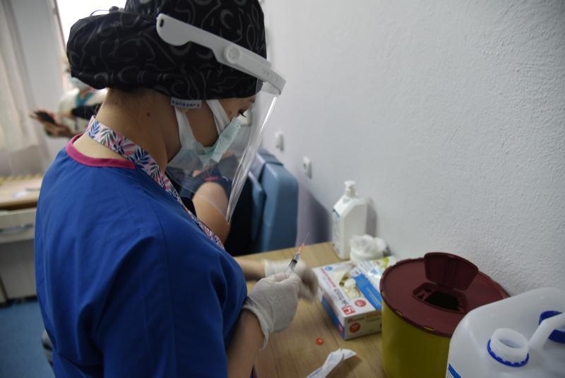 Çin aşısının etkinlik oranı neden ülkelere göre farklılık gösterdi? Bilim Kurulu üyesi açıkladı