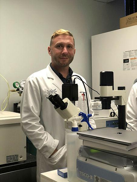 Türk bilim insanı Dr. Serhat Gümrükçü'den dünyayı umutlandıran koronavirüs  ilacı çalışması!