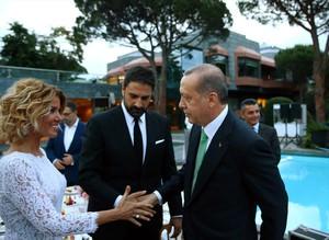 Cumhurbaşkanı sanatçı ve sporcularla düzenlenen iftar yemeğinde buluştu