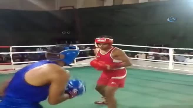 Böyle bir boks müsabakası görülmedi! İki nakavt birden